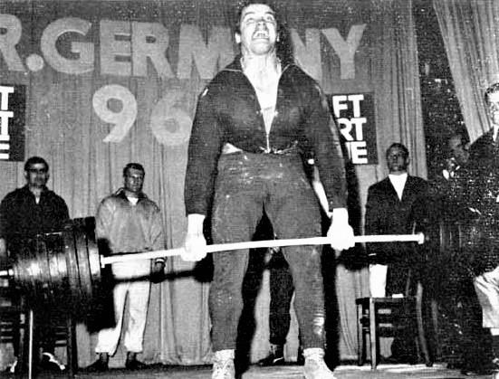 Arnold Schwarzenegger deadlifting 1968 German Powerlifting Championships