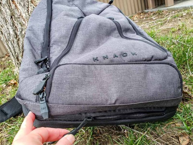zipper for expansion pocket on the Knack backpack