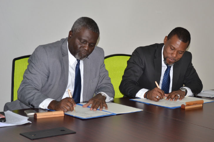 CARICAD CDEMA MOU signing