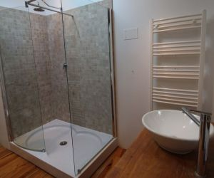 An En-Suite Shower Room