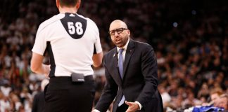 Apr 15, 2017; San Antonio, TX, USA; Memphis Grizzlies head coach David Fizdale argues a call with an official against the San Antonio Spurs during the second half in game one of the first round of the 2017 NBA Playoffs at AT&T Center. Mandatory Credit: Soobum Im-USA TODAY Sports