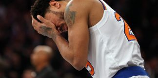 Feb 8, 2017; New York, NY, USA; New York Knicks point guard Derrick Rose (25) holds his head during the fourth quarter against the Los Angeles Clippers at Madison Square Garden. Mandatory Credit: Brad Penner-USA TODAY Sports