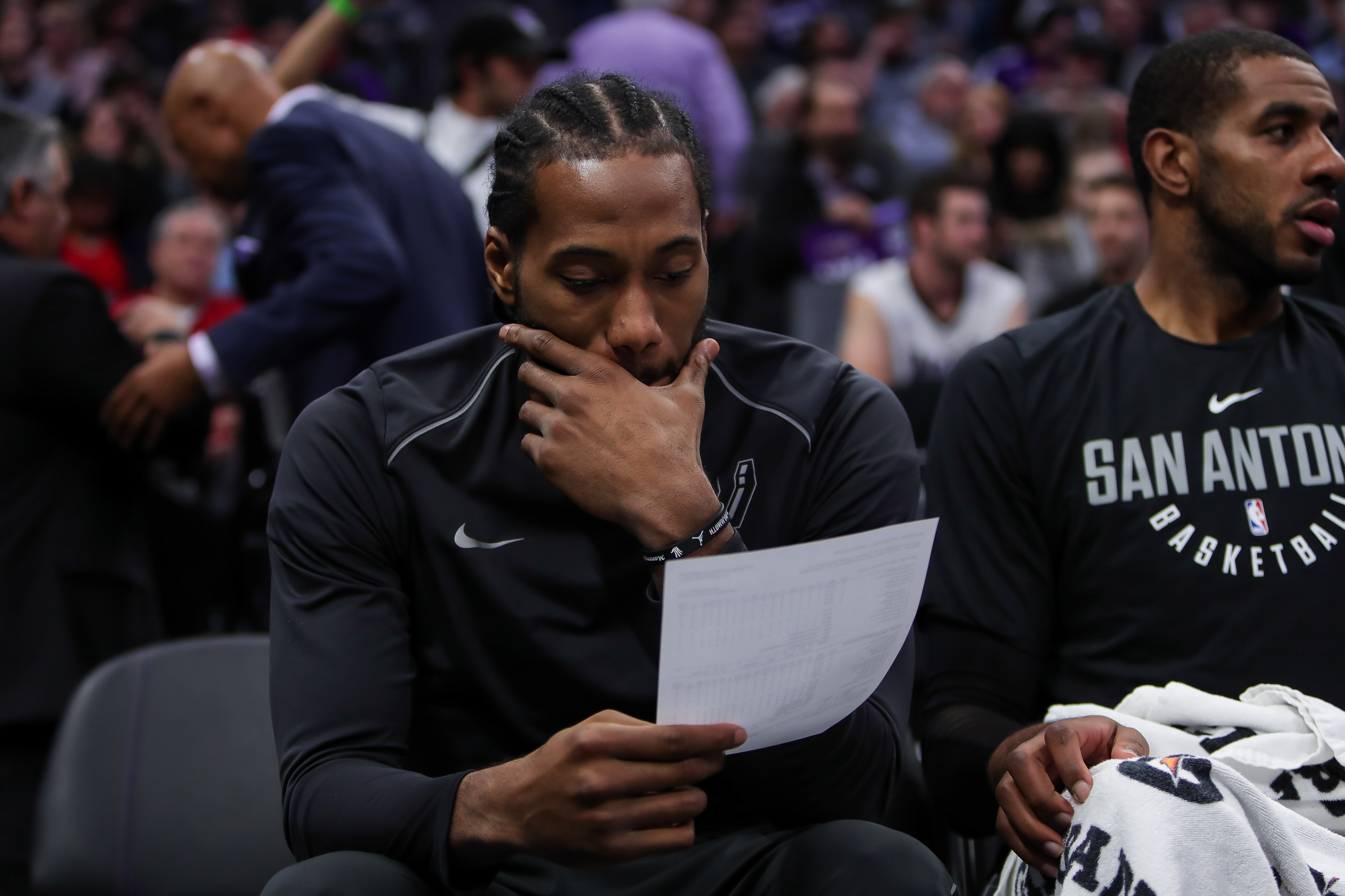 Kawhi Leonard's rehab timeline causing rift between him and Spurs, per report