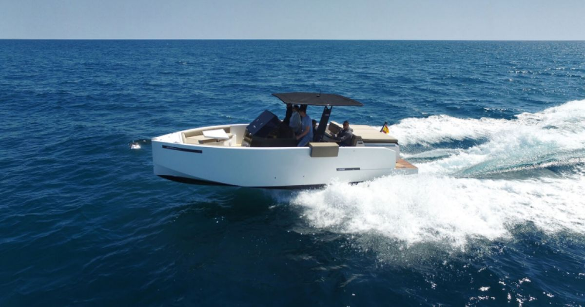 D28 De Antonio Yachts References Bathco