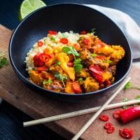 Kip curry met gebrande bloemkool - Dutch Oven