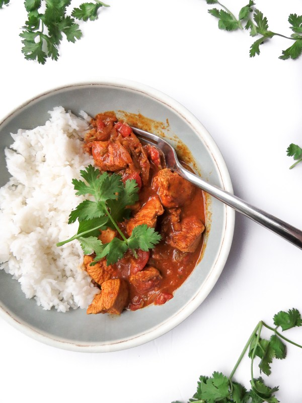 Awesome Chicken Tikka Masala - There is so many flavours in this tikka masala recipe that there is no better adjective than awesome to describe it! It's packed with onions, ginger, cilantro, tomoatoes, chicken and my favourite curry paste!