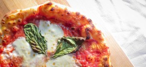 Skillet Napolitana Pizza – Cooked on the stove and under the broiler, the crust in this recipe is cooked and topped to perfection with a sweet tomato sauce, fresh buffalo mozzarella and basil!