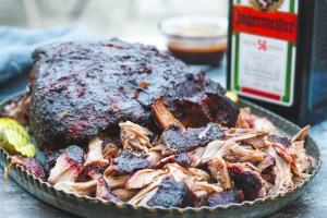 Jagermeister pulled pork with a Jagermeister braai sauce! Yes please! Big, fat pork butt smoked until that joker falls apart in your hands! That's what butt is all about!