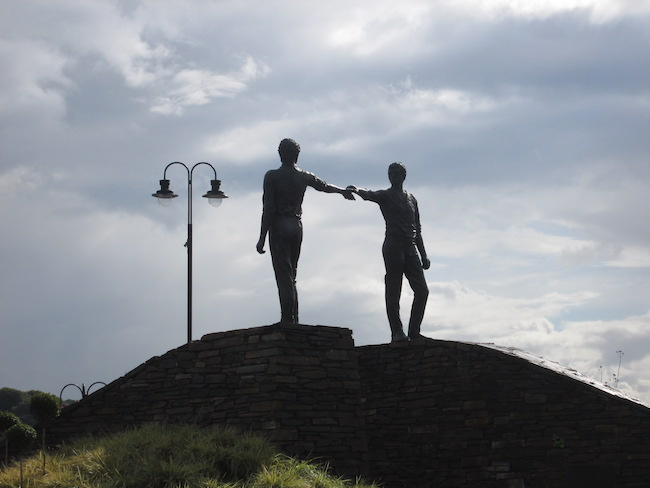 """""""Hands Across the Divide"""" monument"""