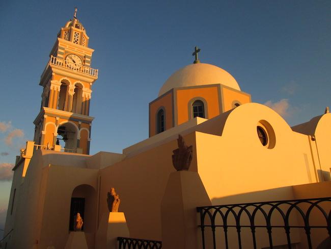Enjoying the golden afternoon light in Fira