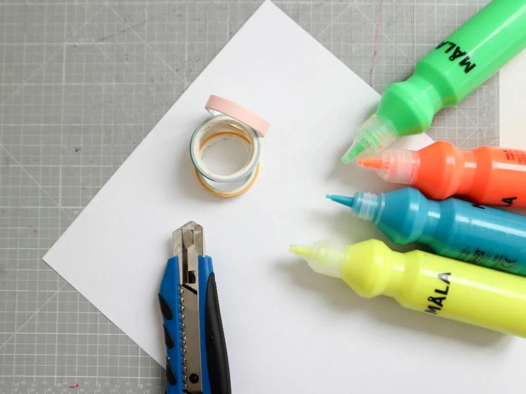 materiales para hacer manualidades con niños
