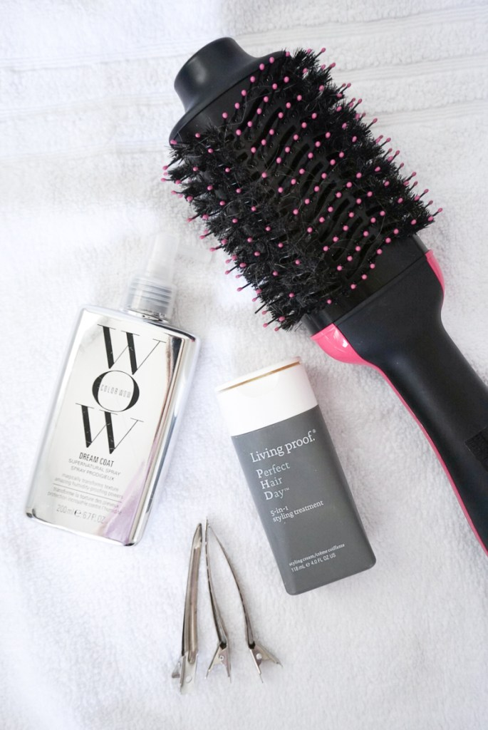 HOW TO GET A PERFECT SALON BLOW OUT AT HOME | I am sharing my biggest secret for healthy hair and my best tools and tips for achieving a perfect salon blow out at home. #blowouttips #diyblowout #blowout #hairmask #hairtips
