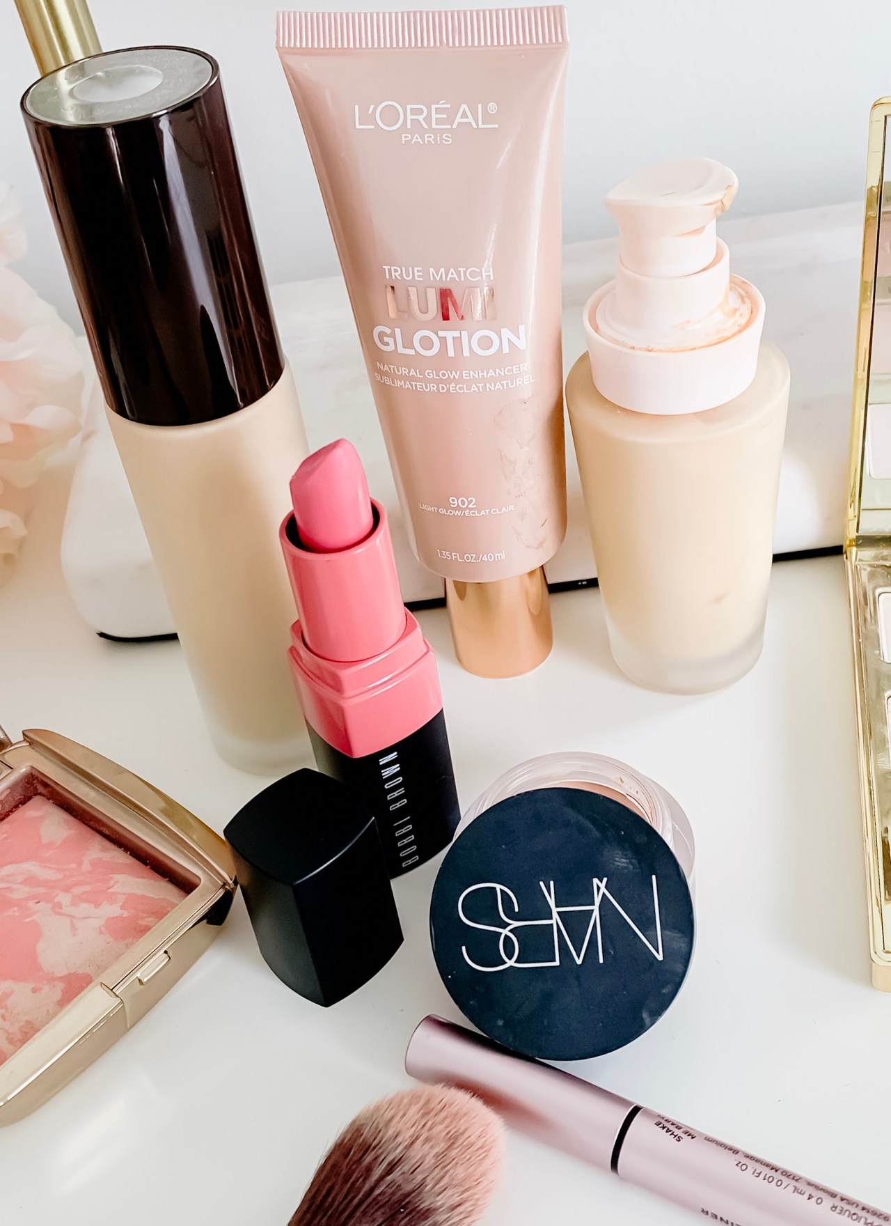 MAKEUP TUTORIAL FOR LOOKING GOOD IN PHOTOS | I share a makeup tutorial for how to apply makeup for photos & the best products to help you look your best.