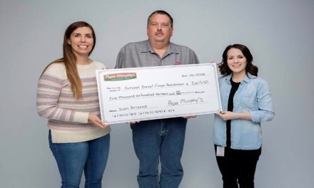 KRMC's Breast Cancer Program Gets $5,600 Donation From Papa Murphy's