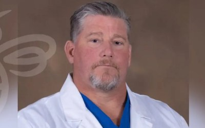 KRMC welcomes orthopedic surgeon Mark Davis