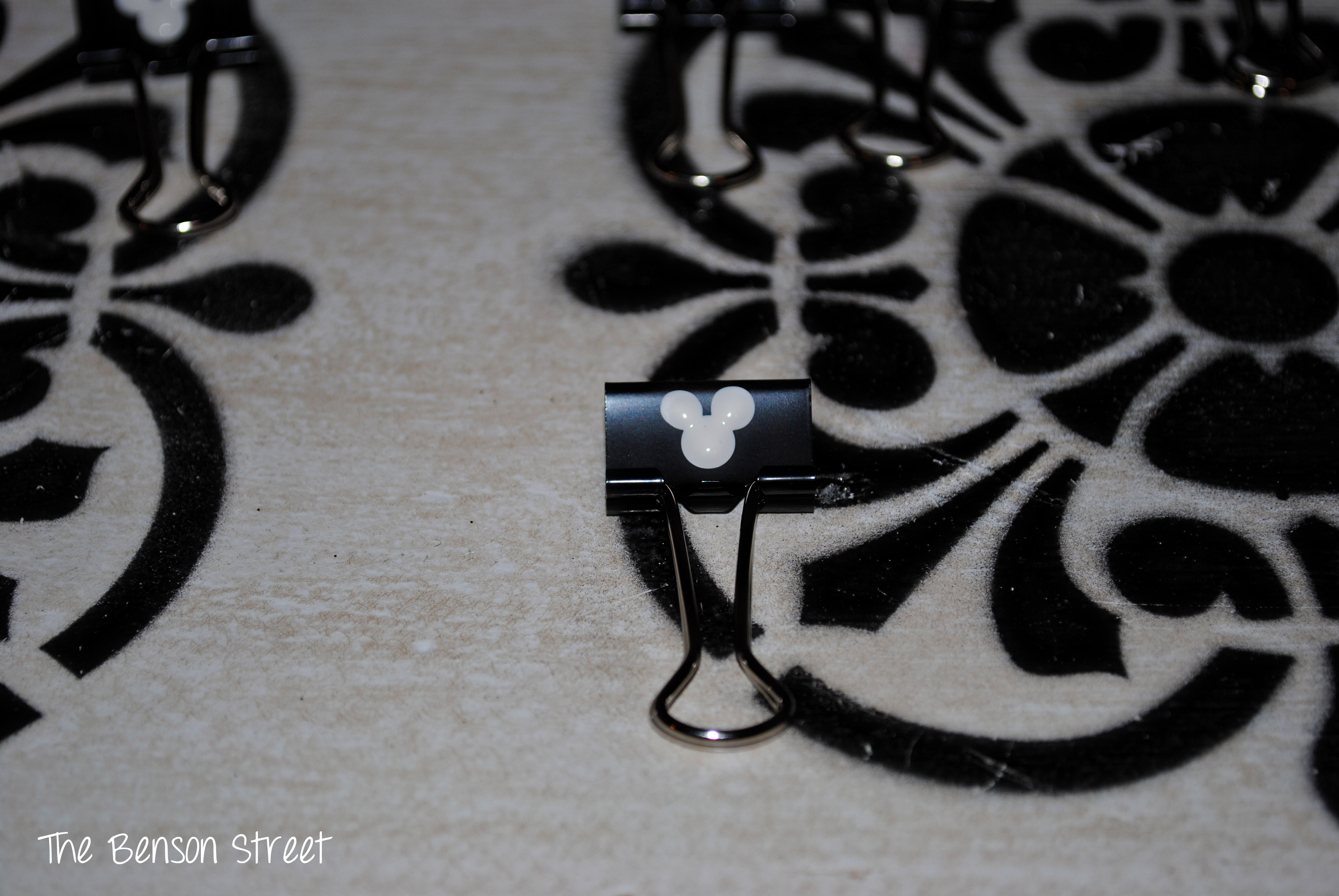 Mickey Binder Clip Painting3