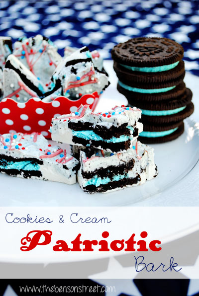 Patriotic Cookies & Cream Bark at www.thebensonstreet.com