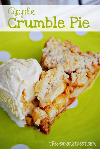 Easy Apple Crumble Pie at thebensonstreet.com