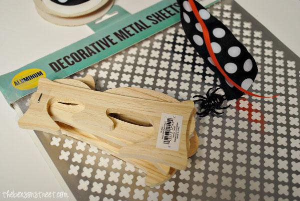 Halloween Door Sign Supplies at thebensonstreet.com