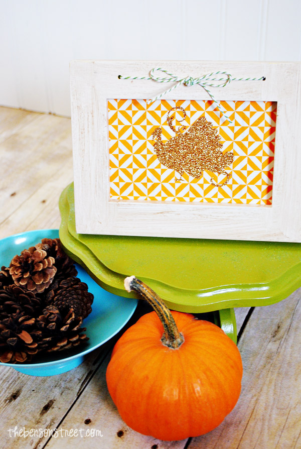 Easy Iron On Vinyle glittered Turkey Frame Decor at thebensonstreet.com