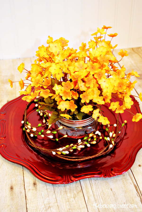 Lovely Thanksgiving Centerpiece at thebensonstreet.com