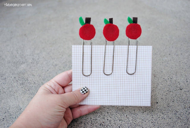 Last Minute Teacher Gift Apple Paper Clips at thebensonstreet.com