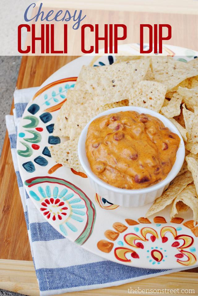 Yummy & Easy Cheesy Chili Chip Dip at thebensonstreet.com