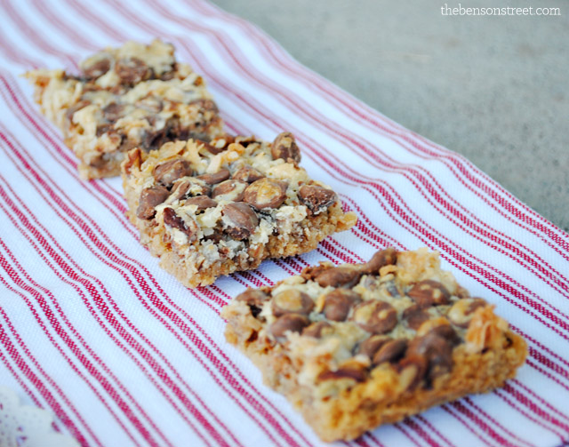 Delicious Magic Cookie Bars at thebensonstreet.com