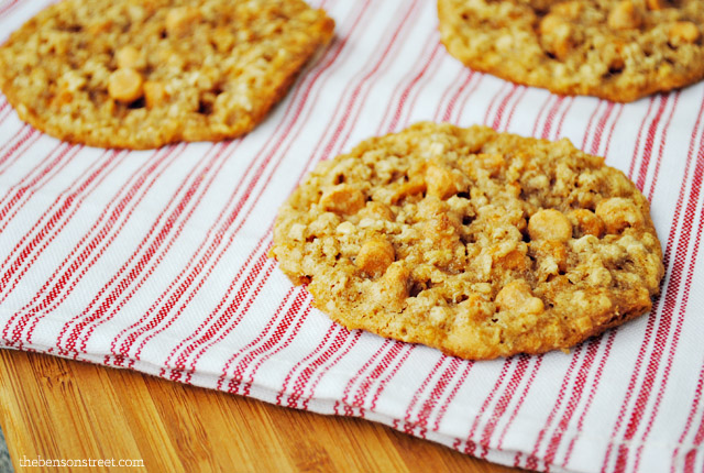 Yummy Oatmeal Scotchies Cookie Recipe at thebensonstreet.com