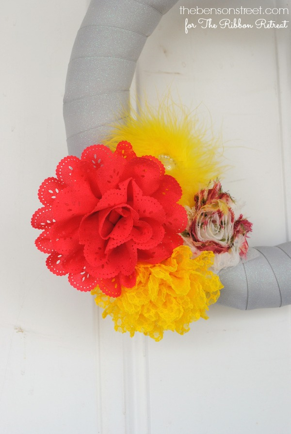 Adorable Flower Cluster Wreath to match seasons at thebensonstreet.com