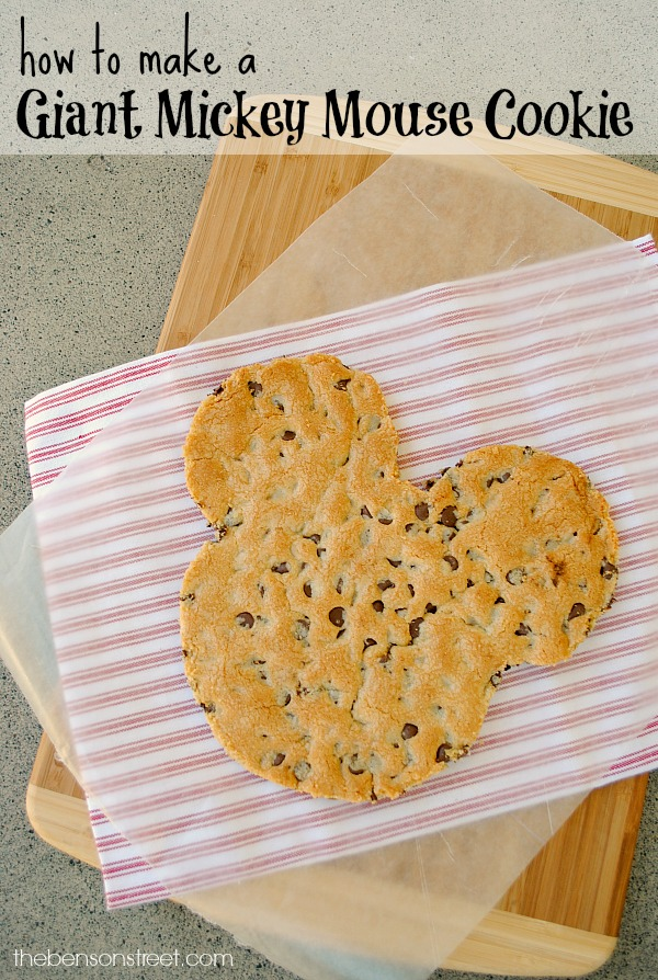 How to Make a Giant Mickey Mouse Cookie via thebensonstreet.com