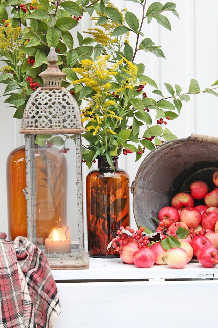 apples and lantern