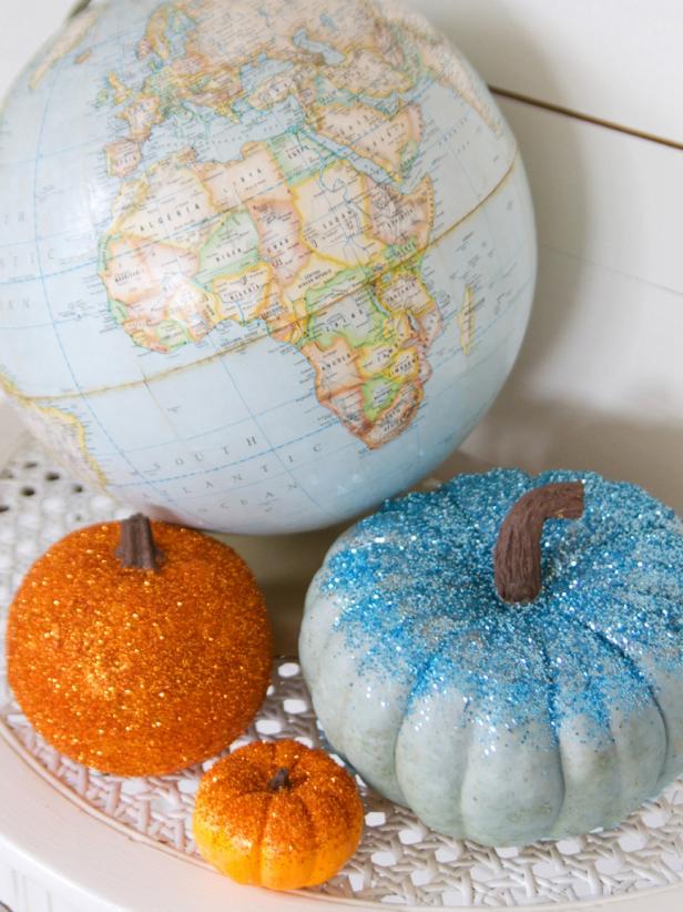 original_Layla-Palmer-Halloween-Beauty-Glitter-Pumpkins-2_s3x4.jpg.rend.hgtvcom.616.822