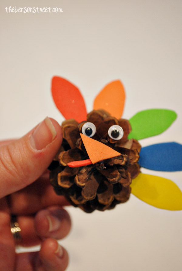 Pinecone-Turkey-Craft-at-thebensonstreet.com_