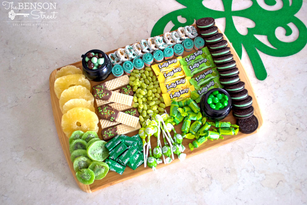 A simple but fun way to celebrate on March 17th. A St. Patrick's Day Dessert Board complete with how to and ideas of what to include featured on thebensonstreet.com