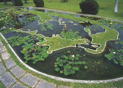 Family Fun in the Sun: Forts & Gardens