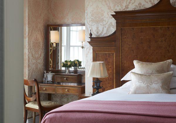 royal-suite-second-bedroom