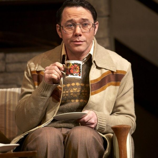 Reece-Shearsmith-Colin-in-Absent-Friends-at-the-Harold-Pinter-Theatre.-Photo-credit-Simon-Annand-763x10241