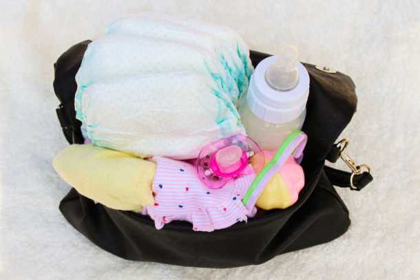 What's in my Diaper Bag? | A Super Handy Baby Bag Checklist!