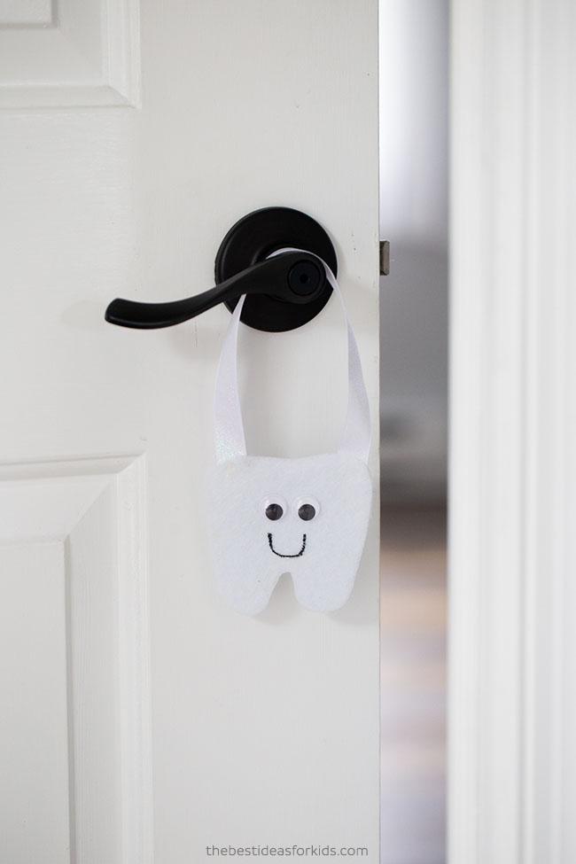 Tooth Fairy Door Hanger DIY