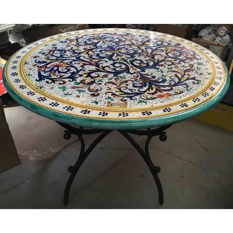 Tavoli in ceramica dipinta a mano di deruta #tavoli #tavolidagiardino #arredogiardini #deruta #pianideruta #ceramicarte #progettoverde #rimini. Deruta Ceramic Round Table