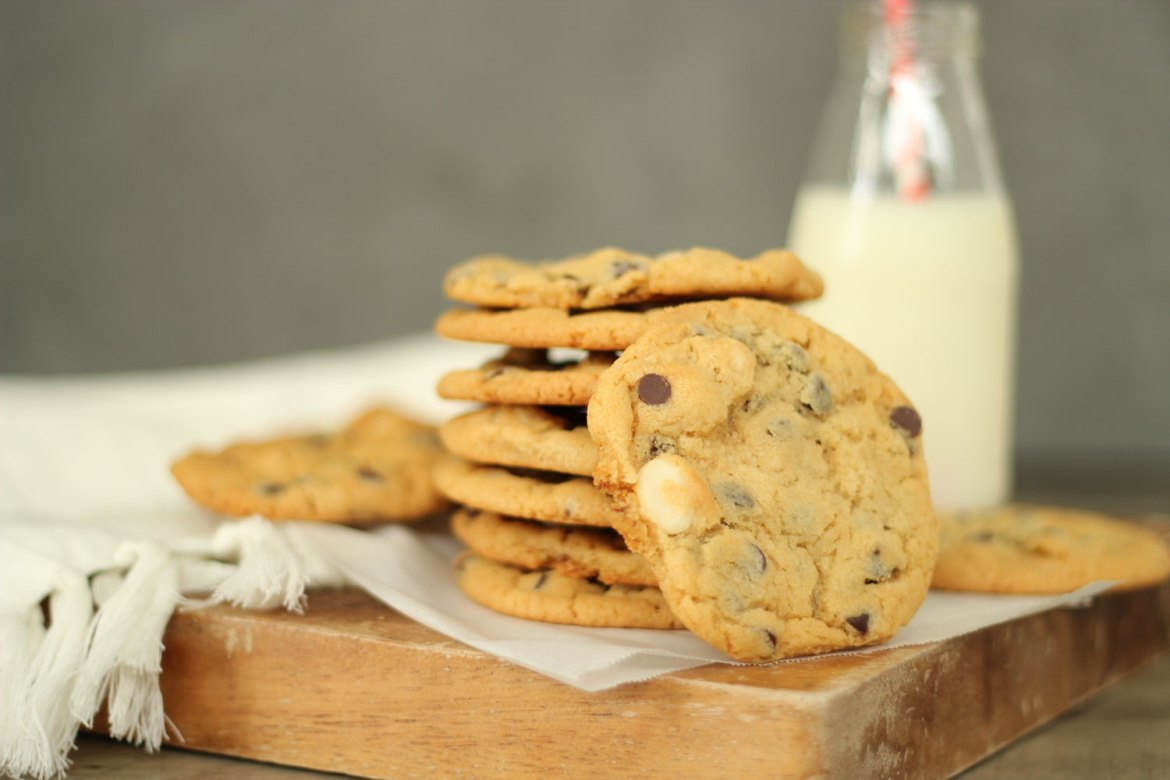 New Zealand's Top Mummy Blogger Parenting Travel Blog Family Chocolate Chip Macadamia Cookie Recipe