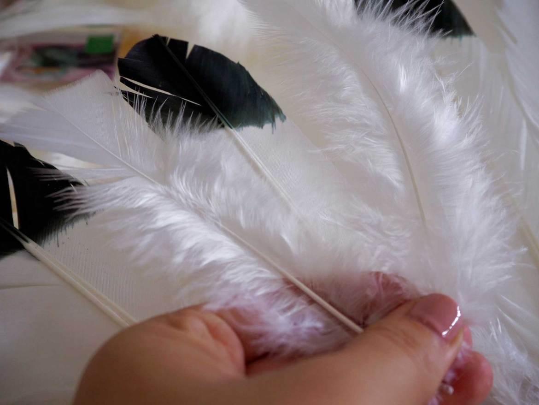 New Zealand's Top Mummy Blogger Parenting Travel Blog Feather Juju Hat DIY Tutorial