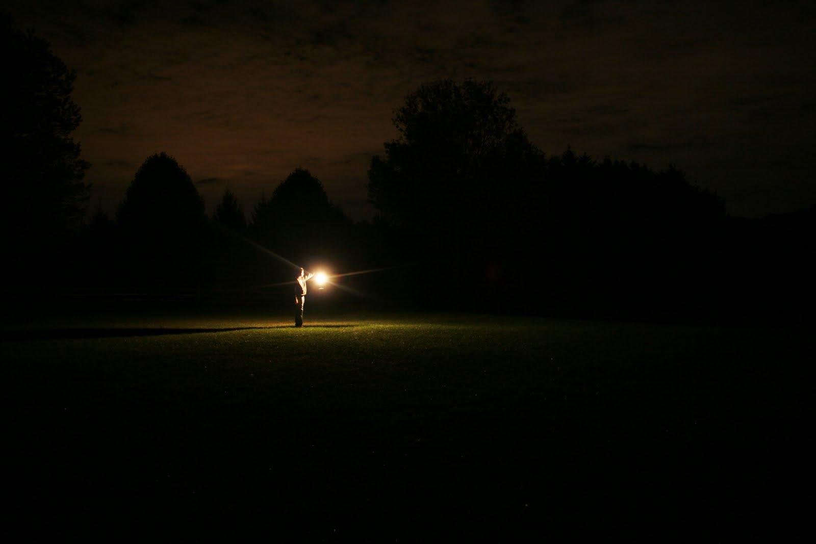 light in the darkness的圖片搜尋結果