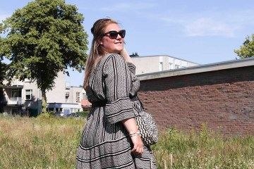 thebiggerblog, Josine Wille, happy size, plussize blog, plussize fashion blog, mode blog, 2020, zomer jurk, boho jurk, viscose jurk maat 48, size 20, black and white flare dress, ibiza jurk grote maten