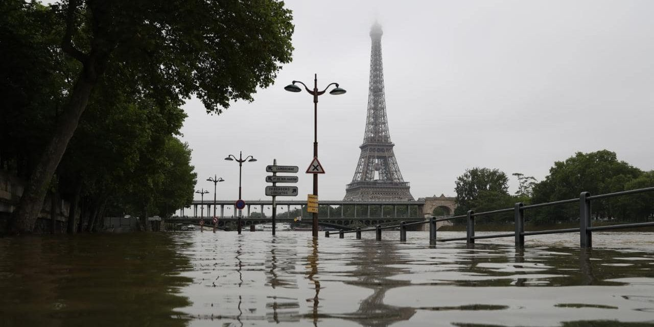 Flooding and heavy rains rise 50% worldwide in a decade, figures show