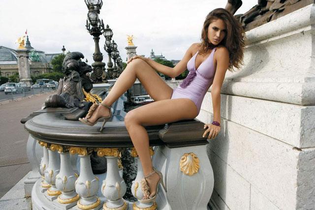 Camila-Morais-Ine-Piece-Swimsuit