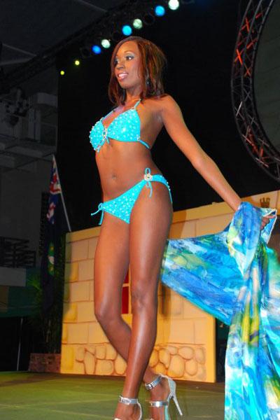 Abigail Hyndman bikini
