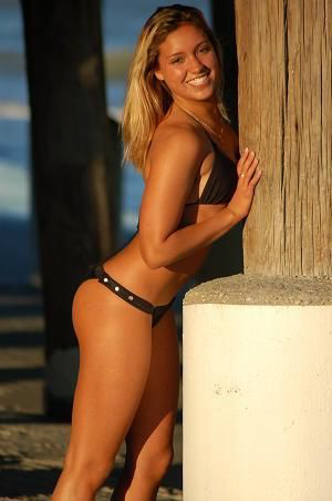 christa-alves-Sexy-Pro-Surfer-Bikini-Babe