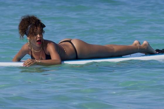 Rihanna-Sports-A-Sexy-Thong-G-String-Bikini